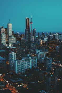 Gorgeous picture of Toronto Toronto Ontario Canada, Toronto City, Toronto Skyline, City Landscape, Urban Landscape, Torre Cn, City Aesthetic, Background Pictures, Urban Photography