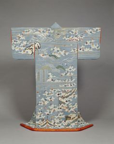 Kosode (Kimono) with Scenes from the Imperial Palace Garden on Bluish Gray Crepe (Chirimen) Ground. Edo period, 19th c.  Kyoto National Museum