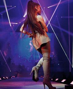 9f653c2bd48711 Ariana Grande Dangerous Woman Tour Lorde