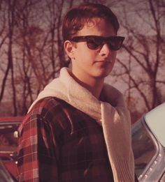Knox Overstreet from Dead Poets Society (1989). Effortless, New England 1950s cool.
