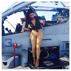 Kim Kardashian's Outfit Visiting the Marines in Abu Dhabi | POPSUGAR Fashion