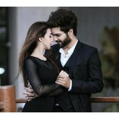 Poetry Club Is A Fastly Growing Poetry Website All Over the World. Here You Will Find a Best Collection Of Love And Sad Poetry and Famous Poets. Romantic Couple Images, Indian Wedding Couple Photography, Wedding Couple Poses Photography, Couple Photoshoot Poses, Cute Couples Photos, Wedding Photoshoot, Couple Pictures, Couple Dps, Couples Images