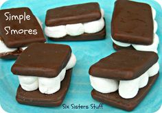 Six Sisters' Stuff: Simple S'mores Recipe with an Indoor Campout (fire included) Chocolate Covered Graham Crackers, Cooking In The Classroom, Delicious Desserts, Yummy Food, Fun Food, Programming For Kids, Cooking With Kids, Cupcake Cookies, Themed Cakes