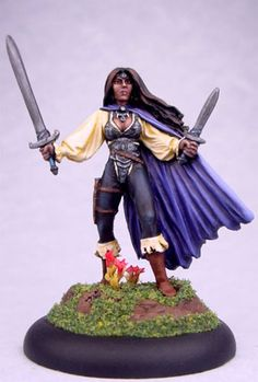 GlenRaven - Female Rogue with Sword and Dagger - Caldwell Masterworks - Miniature Lines