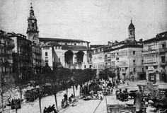 "La antiguamente llamada ""plaza vieja de castilla""  (actual Virgen Blanca) 1887, ahí es nada! Cover Band, Basque Country, Plaza, Paris Skyline, Louvre, Street View, Building, Travel, Old Photography"