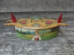 "Vintage Swedish Folk Art Bentwood ""Tine"" Box"