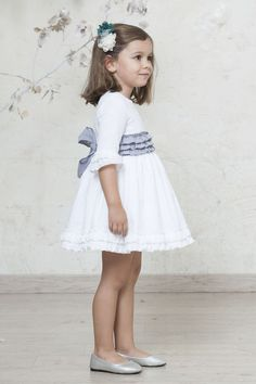 vestidos arras niñas Bella Dresses, Little Girl Dresses, Girls Dresses, Flower Girl Dresses, Baby Girl Birthday Dress, Baby Dress Design, Sewing Kids Clothes, Designer Baby Clothes, Baby Couture