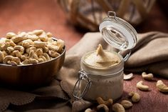 Rezept für hausgemachte Cashewbutter und ihre vielseitigen Einsatzmöglichkeiten