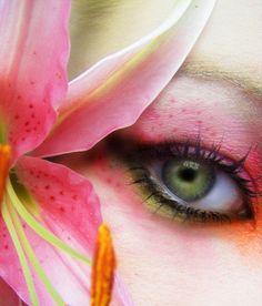 Maquiagem para o Carnaval. Veja mais dicas para se inspirar em maquiagens para o carnaval. Acesse agora mesmo e saiba mais!