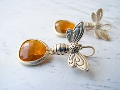 ≗ The Bee's Reverie ≗   Golden Honey Bee Earrings