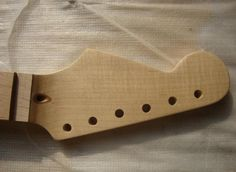 21/22 Frets maple Reverse headstock Left hand Electric Guitar Neck Guitar Parts musical instruments can be customized