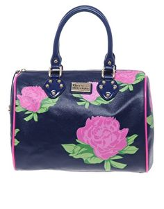 I want this bag for Spring&Summer 2012.  I've been in dire NEED of a new carry 'round.