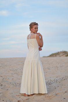 Girls Dresses, Flower Girl Dresses, Unique Weddings, White Dress, Wedding Dresses, Beach, Fashion, Dresses Of Girls, Bride Dresses