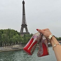 Only redsole high heels. Only redsole addicted minds. Louboutin and others. Girly Dp, Red Bottoms, Shoe Closet, Christian Louboutin Shoes, Fashion Brand, High Heels, Stockings, Legs, Bride