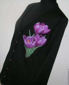 Купить Кофта с вышивкой. Крокусы - рисунок, водолазка, вышивка, женская одежда, Машинное вязание