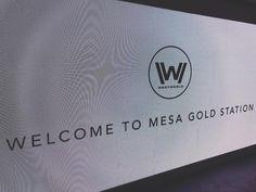 White Hat! . . . #livewithoutlimits #westworld #sxsw #goldline #thegoldenlife #gold #hbo #sweetwater #mariposa