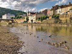 Le Bugue, Dordogne. Pop: 2,762