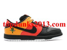 low priced 62e6c e8bf6 Purchase Raygun Black Nike Dunk Low SB Saving Nike Dunks, Black Nikes,  Online Sales