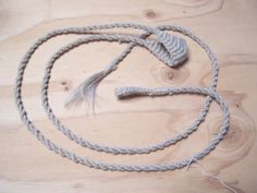 Slinging.org - A Method for Reproducing a Sling Found in the Tomb of Tutankhamen - Timothy Potter