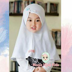 Muslim Fashion, Hijab Fashion, Baby Hijab, Hijab Caps, Dress Anak, Hijab Cartoon, Beautiful Muslim Women, Girls Dresses, Flower Girl Dresses