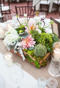 How pretty is this succulent centerpiece?