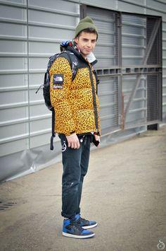 abrigo the north face x supreme leopard