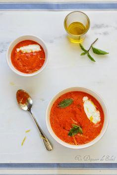 Soupe froide de poivrons et tomates quenelles de ricotta et citron