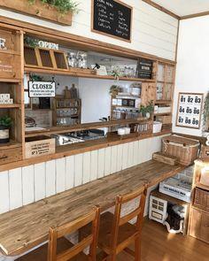 Coffee Cafe Interior, Cafe Interior Design, Cafe Design, Bakery Kitchen, Kitchen Decor, Coffee Restaurants, Cafe Shop, Beautiful Interiors, Restaurant Design