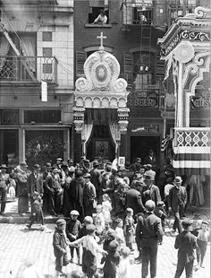 NEIGHBORHOOD: Little Italy, Street altar to Our Lady of Help, Mott St., New York, 1908