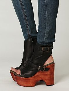 I love these-too bad they are unavailable. Darnit! I would be soo tall!!