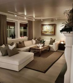 Cozy Small Living Room Decor Ideas For Your Apartment - .- Cozy Small Living Room Decor Ideas For Your Apartment – Home – Source by interiorrsde - Beige Living Rooms, Cozy Living Rooms, Home Living Room, Apartment Living, Interior Design Living Room, Classy Living Room, Living Area, U Shaped Couch Living Room, Cream And Brown Living Room