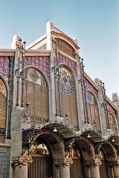 Mercado Central, València-I have family there, so this makes it easier! Places In Spain, Places To See, Valencia City, Valencia Shopping, Wonderful Places, Beautiful Places, Madrid, Valence, Moraira