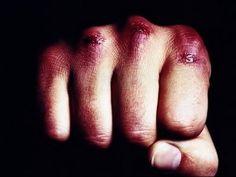 Вы увидите, как в кино снимают рукопашный бой.