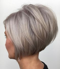 70 Cute and Easy-To-Style Short Layered Hairstyles Short Inverted Bob with Angled Layers Haircut For Thick Hair, Cute Hairstyles For Short Hair, Layered Hairstyles, Blonde Hairstyles, Haircut And Color, Medium Hairstyles, Hairstyles Haircuts, Braided Hairstyles, Wedding Hairstyles