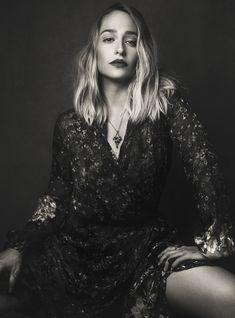 "Jemima Kirke- loved her style on ""Girls. Jessa Girls, Girls Hbo, Jemima Kirke, Mid Length Hair, Love Hair, Celebs, Celebrities, Poses, Pretty Face"
