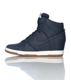 the latest c6c1c 1077c Nike Dunk Sky Hi Essential Dames MarineBlauw 644877400 Sneakers