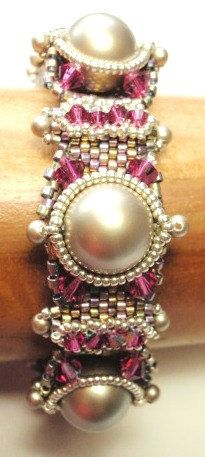 This is a downloadable instruction packet for Florentine Domes Bracelet.