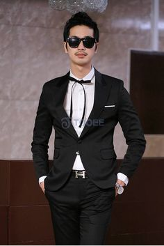 Slim Fit Cotton One Button Peak Lapel Suit Blazer