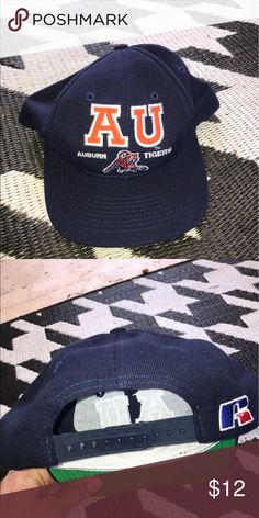 Vintage retro Auburn Tigers snapback hat Really cool looking throwback Auburn hat in excellent condition. Fast shipping!! Russell Athletic Accessories Hats