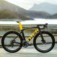 Bicycle Paint Job, Bicycle Painting, Best Road Bike, Road Bikes, Road Cycling, Cycling Bikes, Trek Madone, Beach Cruiser Bikes, Trek Bikes