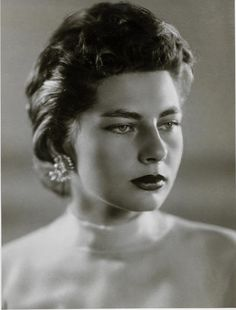 Empress Soraya.............http://www.pinterest.com/madamepiggymick/arab-royalty-iran/