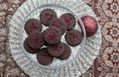 www.lidovky.cz na-vanoce-si-doprejte-hrisne-kakaove-dorticky-a-brusinkove-ctverecky-s-pistaciem-g1e- dobra-chut.aspx?c=A151203_144431_dobra-chut_ape