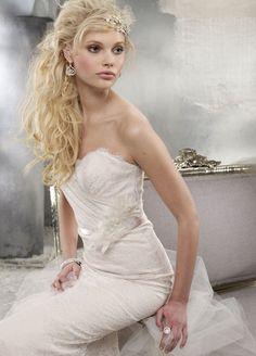 Another gorgeous Alvina Valenta style!