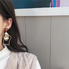 Geometric Statement Drop Earrings – klozetstyle.com Bow Earrings, Unique Earrings, Fashion Earrings, Statement Earrings, Handmade Hair Accessories, Wedding Accessories, Mothers Friend, New Handbags, Shape Patterns