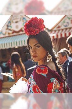 Spanish style – Mediterranean Home Decor Spanish Woman, Spanish Style, Gypsy Style, Boho Gypsy, Bohemian Mode, Boho Chic, Flamenco Dancers, Spanish Fashion, People Illustration