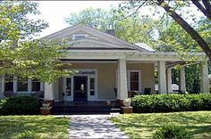 1920's Craftsman Bungalow Monticello GA - love the wide porch