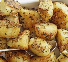 Parmesan Roasted Potatoes - Brown Christmas menu ideas @saglattbrown