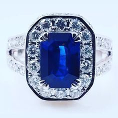 auf www.detaschmuck.com immer wieder bieten wir einzigartige Schmuckunikate neu und aus zweitem Hand . . . #wedding #ring #diamonds #diamonds #ringbling #love #gettingmarried #ohrringe #earrings #engagementring #saphire #diamondring #weddingring #кольцо #кольцосбриллиантами #помолвка #emeralds #сапфиры #бриллианты #sapphire #vintageschmuck #diamanten #jewellery #jewelery #jewelgram #detaschmuck #showmeyourrings #instagramjewelry