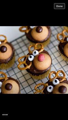 Deer cupcakes #christmasdesserts