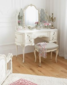 Shabby Chic Furniture: How to Paint and Distress – Shabby Chic Talk Shabby Chic Bedrooms, Bedroom Vintage, Shabby Chic Furniture, Shabby Chic Decor, Vintage Furniture, Shabby Chic Vanity, Farmhouse Furniture, Trendy Bedroom, Farmhouse Table